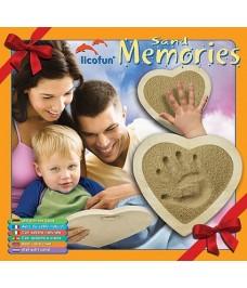 Empreinte de la main avec cadre en forme de coeur